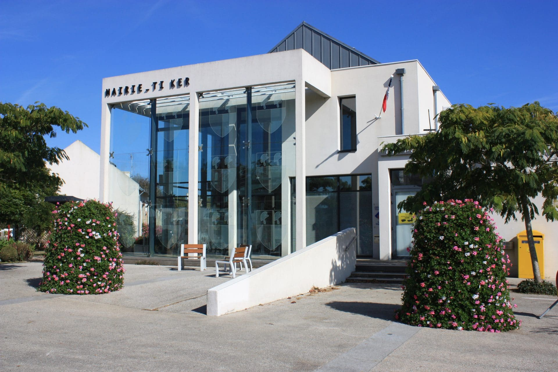plomeur-Photo-mairie