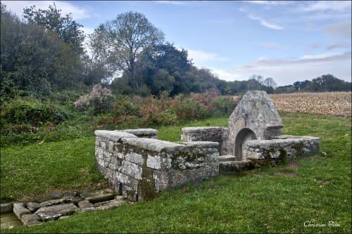 La fontaine Saint Côme à Plomeur