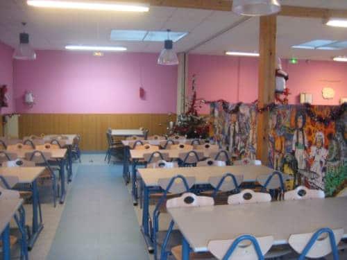Salle du restaurant scolaire municipal de Plomeur
